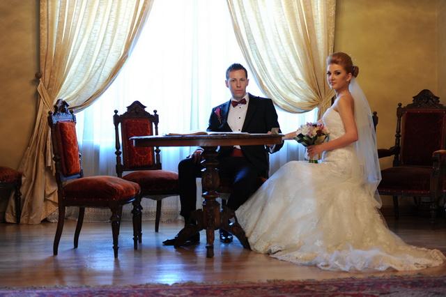 "Click aici pe poza pentru a vedea galeria foto ""Claudia si Iulian"" - © Cristi Nedelcu"